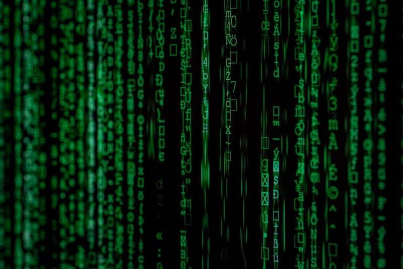 Erste Cyberversicherung für Autos -  Die Zurich Insurance Group als Vorreiter Erstmalig lassen sich auch Autos gegen die Folgen eines Hackerangriffs versichern. Die Cyberversicherung für Autos wurde auf Nachfrage einiger Autobesitzer in der Schweiz ins Leben gerufen. Obwohl es bisher keine Statistiken gibt, wollen sich Autofahrer schützen. Klar- Denn auch die komplexen Computersysteme in den neuen Pkws und Elektroautos können gehackt werden.