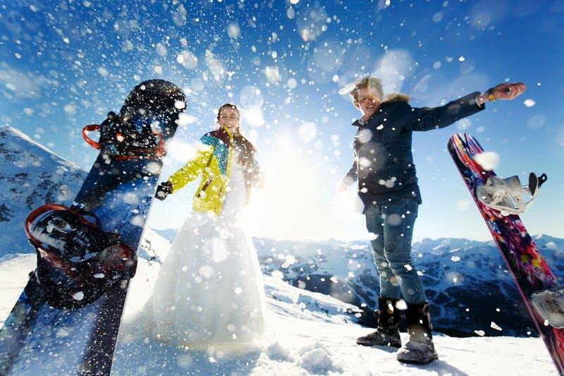 Versicherungen für Freizeitsportler - Bereit für die Wintersportsaison? Die Wintersportsaison beginnt und Urlauber kennen das Risiko: Sportunfälle sind keine Seltenheit und schnell passiert. Die Probleme können langwierig sein. Welche Versicherungen für Freizeitsportler wichtig sind, erfahren Sie hier.